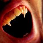 1-vampiro-dentes-presas